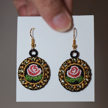 Heirloom Roses Earrings (Free Standing Lace)