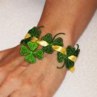 Shamrock Beads with Charm ( Free Standing Lace)